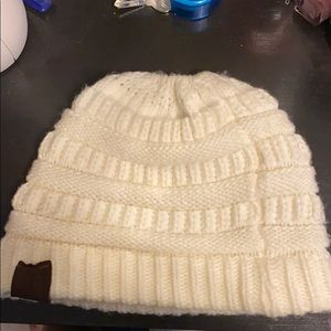 CC beanie tail, Off White